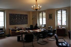 bureau du procureur lieu de tournage ile de tribunal de grande instance