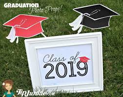 graduation sign graduation cap photo prop and yard sign free printables tip junkie