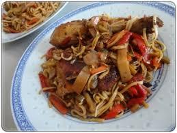 cuisine chinoise poulet poulet yakitori nouilles chinoises aux petits légumes recette