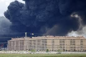 spain evacuates 9 000 from massive tire fire near madrid the