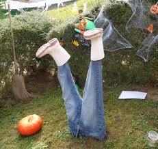 Deco Entree Exterieur Décoration Halloween Pour Un Jardin Qui Donne La Chair De Poule