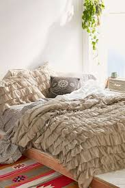 Ruffle Duvet Cover Full Best 25 Ruffle Duvet Ideas On Pinterest Cheap Duvet Covers