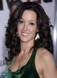 layered haircut for curly hair medium length jennifer beals layered curly hairstyle curly girls pinterest