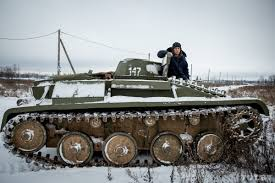 Backyard Artillery Handmade Tank Man Builds Full Size Replica Of Wwii Battle Vehicle
