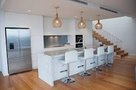 cuisine avec ot central cuisine exemple de cuisine avec ilot central avec violet couleur