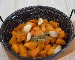 cuisiner patate douce poele recette poêlée de patates douces sautées à l ail et au thym