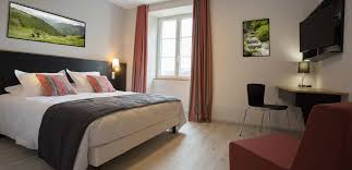 chambre familiale junior suite ou chambre familiale domaine agerria