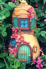 how to make a fairy house for the garden to keep your kids dreaming