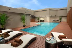 build a pool house appmon