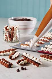 idee deco cuisine cagne these chocolate meringue cookies are a stopper arrive at any