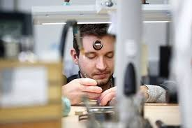 si e lvmh luxury wristwatch production at lvmh moet hennessy louis vuitton sa