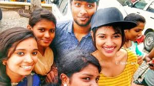 bigg boss oviya in chennai city centre mall with fans latest