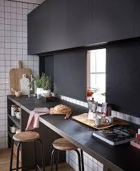 plan de travail cuisine grande largeur cuisine aménagée conseil plan de travail rangement triangle d