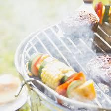 recette de cuisine d été bruschettas au pesto et aux légumes grillés grazia
