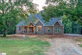 homes near hillcrest high houses for sale in simpsonville sc