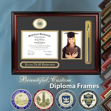 welcome to the signature announcements college graduation website