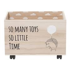 holzkiste kinderzimmer holzkiste auf rädern so many toys das kleine zebra