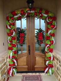 Christmas Garland Decorating Ideas by Best 25 Christmas Garland Decorations Ideas On Pinterest