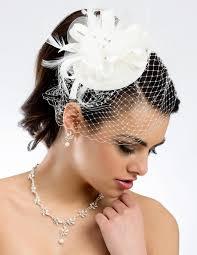 chapeau pour mariage lune de miel coiffe peigne ceremonie coiffure mariee chignon