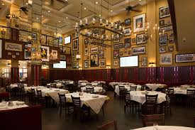 Las Vegas Restaurants With Private Dining Rooms Where To Dine In Las Vegas For Thanksgiving