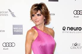 lisa renick hairstyles lisa rinna s new hairstyle is dramatic video the daily dish