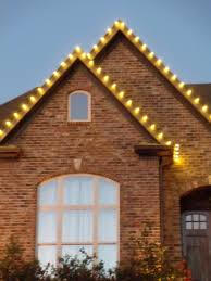 Christmas Lights On House by Outdoor Christmas Lights Expert Outdoor Lighting Advice