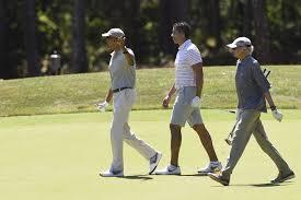 obama kicks off martha u0027s vineyard vacation by golfing with