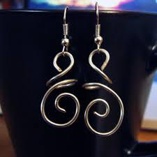 wire earrings diy hanging swirl wire earrings wire earrings mondays and wire