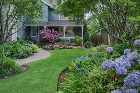 Front Yard Landscape Ideas by 6 Flower Landscaping Ideas For Your Front Yard