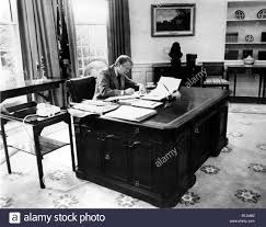 oval office 1970s stock photos u0026 oval office 1970s stock images