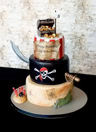 the 25 best pirate cakes ideas on pinterest pirate birthday