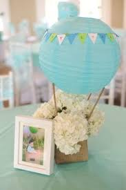Table Top Balloon Centerpieces by Air Balloon Centerpiece For Baby Mara U0027s Shower Things I U0027ve