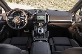 porsche cayenne s e hybrid review and pictures of porsche cayenne s e hybrid plugincars com