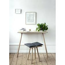 Small Desk Design Small Table Desk Bethebridge Co