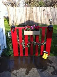 Christmas Fence Decorations Christmas Decorations For Stairs Create A Pallet Fence Diy Pallet