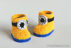free crochet pattern u2013 minion inspired baby booties u2013 croby patterns