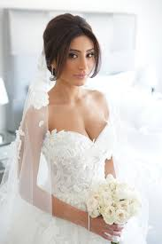 wedding dresses brides get inspired beautiful real brides with stunning wedding dresses