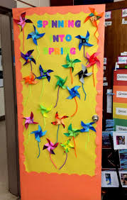 Classroom Door Decoration For Christmas by Backyards Spring Classroom Door Decorating Ideas Design