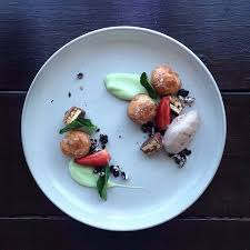 cuisine high this is plating junk food like high end cuisine and it s awesome