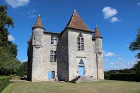 chambres d hotes chateau gîtes et chambres d hôtes du château de panisseau thénac