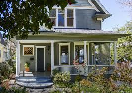 Craftsmen Home A Transitional Design For This Queen Anne Craftsman House