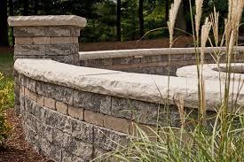 Unilock Michigan Unilock Retaining Walls Retaining Wall Benson Stone Co Rockford Il