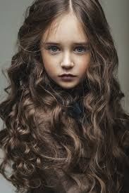dark hair with grey models candra and weylins daughter her hair is black like her fathers
