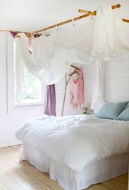 d o chambre blanche une chambre blanche et ciel de lit déco