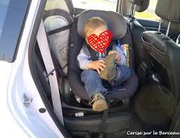 siege auto devant mettre un siege auto devant vêtement bébé