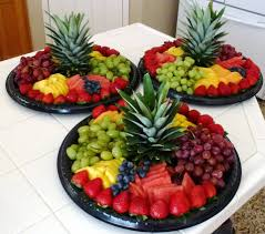 fruit arrangements los angeles the pineapple cap as the centerpiece simple to do but flashy