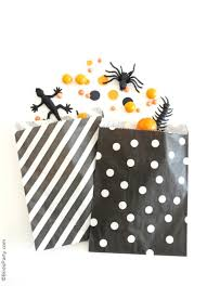 Halloween Party Bag Ideas by Super Easy Halloween Party Ideas U0026 A Flash Sale Party Ideas