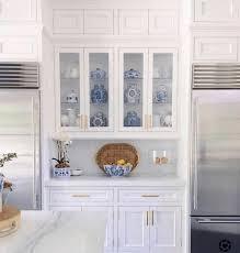 white kitchen cabinets benjamin benjamin white oc 151 the zhush by sue de chiara