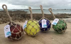 filet de peche decoratif flotteurs de pêche en verre soufflé artisanalement recouvert d u0027un