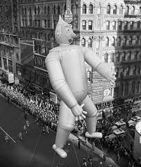 the rockettes perform at macys thanksgiving day parade